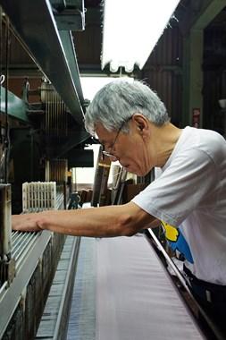 平成9年に「勲六等瑞宝章受章」をされた伝統工芸士大西實氏。