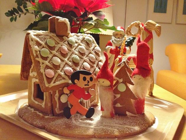 現在、フィンランドに滞在中のMahorovaフィンランド事業部スタッフから、クリスマスの便りが届きました。大人気だった「とび太くんマグネット」の2ndバージョン(新発売!)が「お菓子の家」の前で飛び出し注意! サンタクロースの本場、フィンランドの街はクリスマス一色とのことです。Merry Christmas!