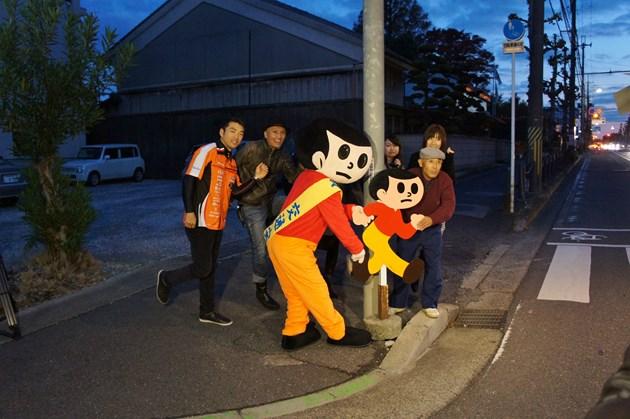 40周年記念イベントの最後の最後には、40年前に日本初の飛び出し坊やが設置された東近江市八日市の野々宮神社前に、改めてとび太くんを設置させていただきました。初心にかえって、とび太くんの存在の意味に思いをはせるために・・・