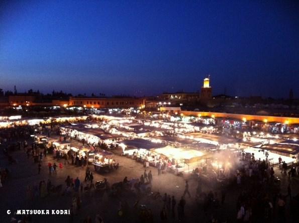モロッコ観光の目玉のひとつ、マラケシュのフナ広場