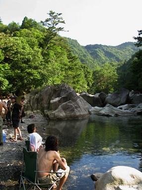奥永源寺の清流。夏の水遊びは最高です。