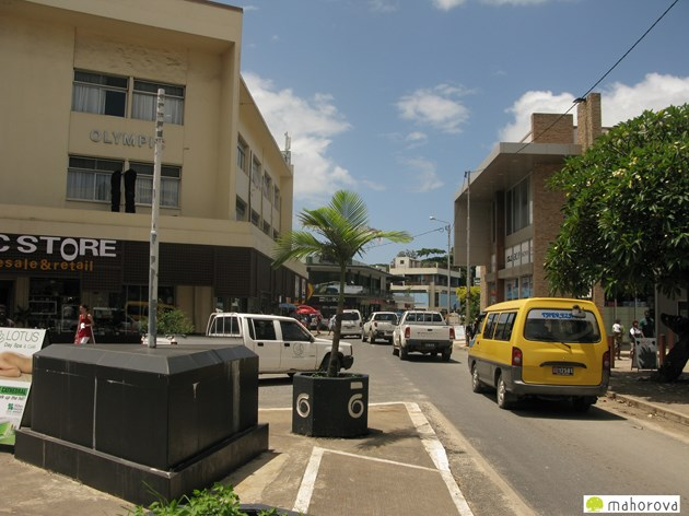 整然とした首都ポートビラの町並み。